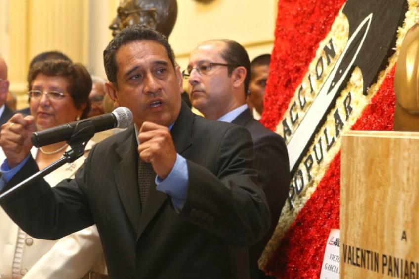 Perú: gobernador regional arremete contra la prensa