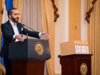 El Salvador: Bukele anuncia en cadena nacional que Hacienda investiga a El Faro por lavado de dinero
