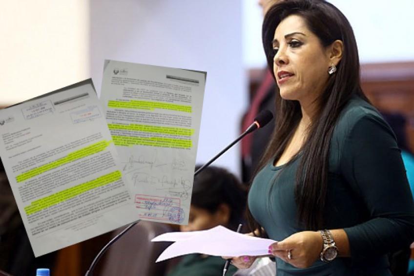 Perú: congresistas piden amonestar a periodista por comentario en Facebook