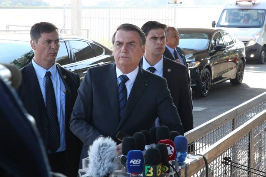 Brasil: Presidente Jair Bolsonaro minimiza Covid19 y ataca a la prensa